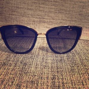 08602fab01 Guess Sunglasses for Women